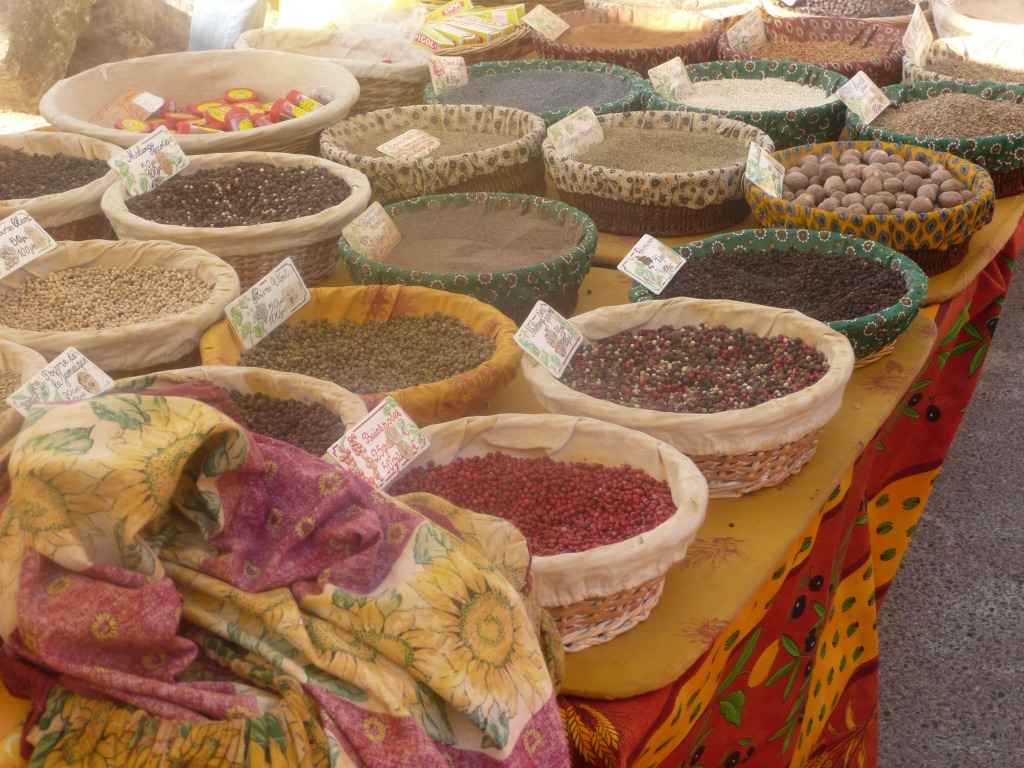 Spices on Lourmarin market.jpg